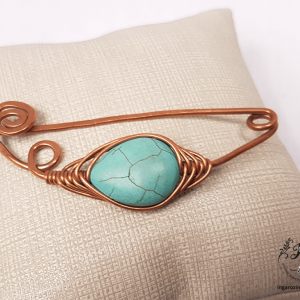 turquoise-copper-wire-shawl-pin-with-spiral-closure